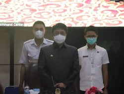 Andrei Angouw Terus Gaungkan Program Vaksinasi Masal