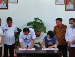 Implementasi Merdeka Belajar Kampus Merdeka, Rektor Unima dan Walikota Tomohon Tandatangani PKS