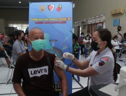 Serbuan Vaksinasi Oleh TNI AU Lanud Sam Ratulangi, ini Kata Petugas Kesehatan Bagi Masyarakat Yang Belum Divaksin