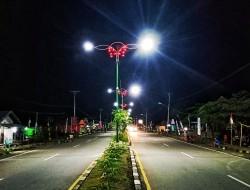 Wajah Ibu Kota Kabupaten Bolmong Dipercantik, 137 PJU Terangi Lolak