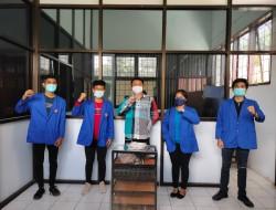 Gunakan Belimbing Botol dan Tanah Liat, Mahasiswa Unima Berhasil Ciptakan Aki Organik
