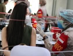 Buruaaannn, Gerai Vaksin JRku Indonesia Tangguh Indonesia Tumbuh Gratis
