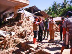 Bupati Yasti, Tinjau Lokasi Bencana Banjir di Batu Merah