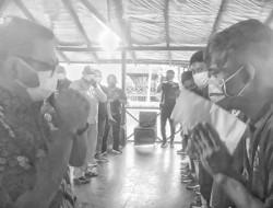 Maurits Mantiri Semangati Atlet Kontingen PON Papua Asal Kota Bitung